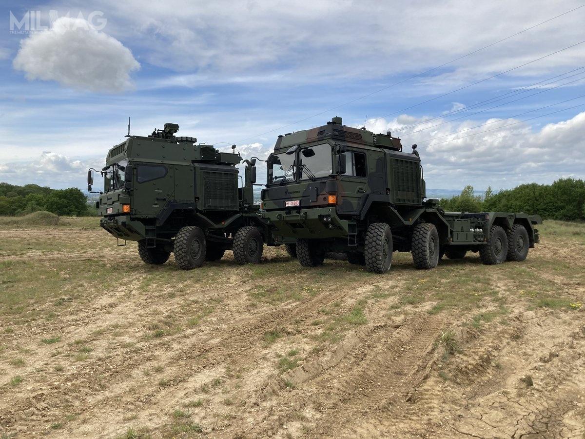 Produkcja opancerzonych inieopancerzonych samochodów ciężarowych wysokiej mobilności  Rheinmetall MAN Military Vehicles (RMMV) HX2 została rozdzielona pomiędzy Niemcy iAustrię. Produkcja silników, osi, skrzyń biegów iinne elementów odbywa się wMonachium, natomiast montaż końcowy samochodów wWiedniu. Wśród użytkowników pojazdów tejrodziny są także Wielka Brytania, Australia, Nowa Zelandia iDania. Zamówienia złożyły także Norwegia iSzwecja / Zdjęcie: RMMV