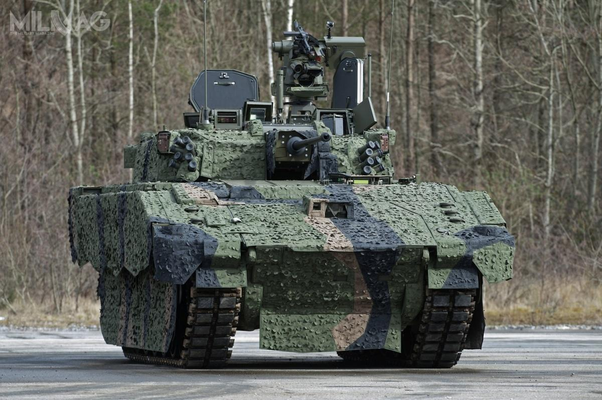 Mimo, żeprogram dostaw pojazdów zrodziny Ajax dopierwszej jednostki liniowej jest opóźniony, brytyjski resort obrony nanadzieję nadotrzymanie terminu ogłoszenia wstępnej gotowości operacyjnej wlipcu 2020  / Zdjęcie: Richard Watt, MO Wielkiej Brytanii