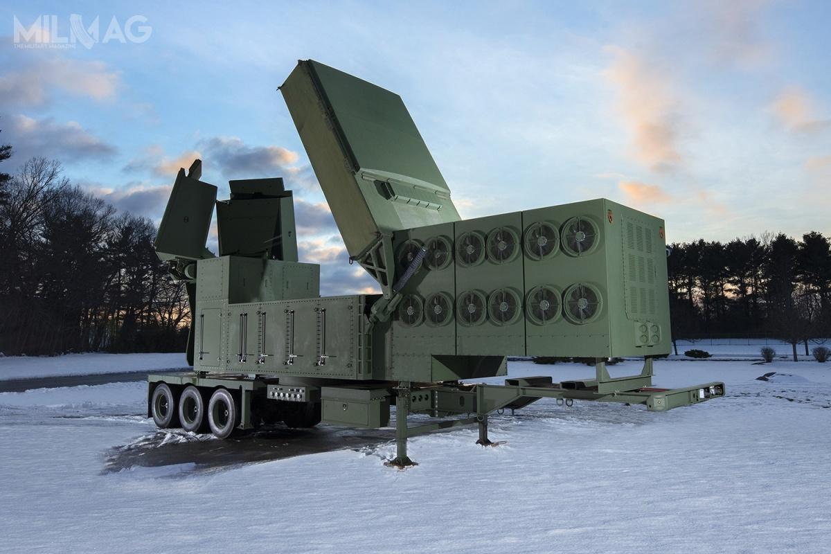 Raytheon LTAMDS totrójścianowy nieruchomy radar zapewniający pokrycie wzakresie 360 stopni iwykorzystujący antenę zaktywnym skanowaniem elektronicznym AESA (Active Electronically Scanned Array) wtechnologii azotku galu (GaN) / Zdjęcie: Raytheon