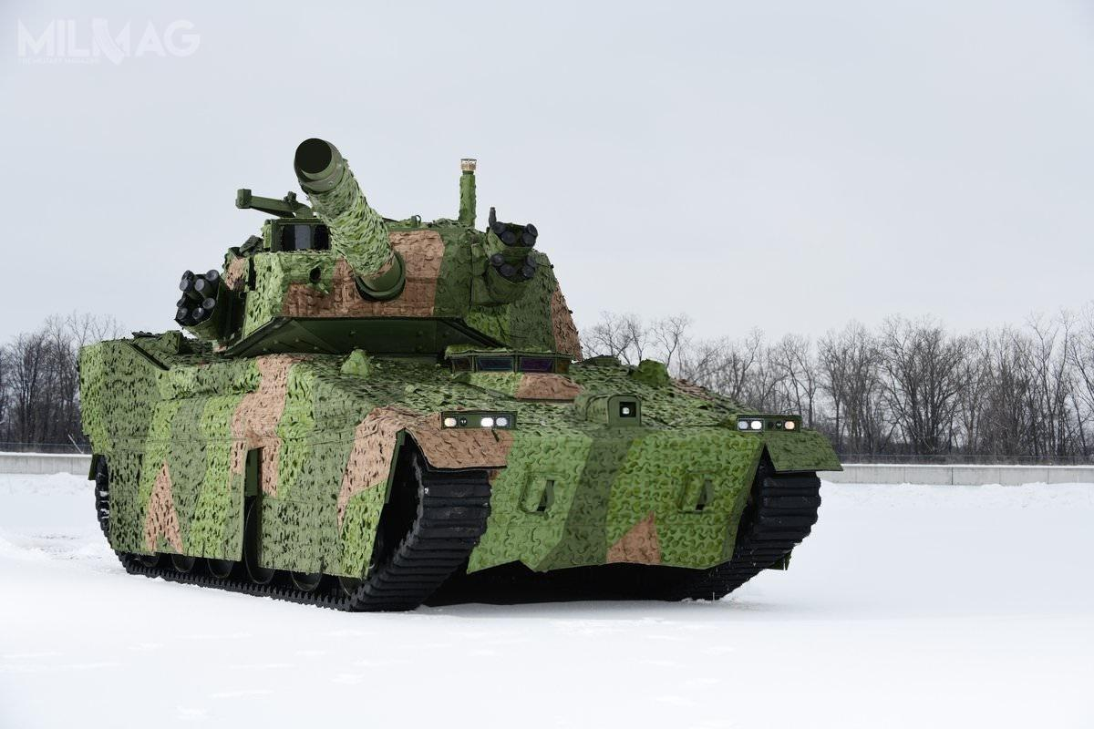 Oferowany wprogramie MPF czołg lekki bazuje narozwiązaniach systemu M8 Armored Gun System. M8 AGS miał zastąpić czołgi lekkie M551 Sheridan orazpojazdy HMMWV wyposażone wprzeciwpancerne pociski kierowane BGM-71 TOW. Ostatecznie projekt anulowano, adosłużby w2. Pułku trafiły niszczyciele czołgów M1128 Mobile Gun System napodwoziu kołowym. /Zdjęcie: BAE Systems.