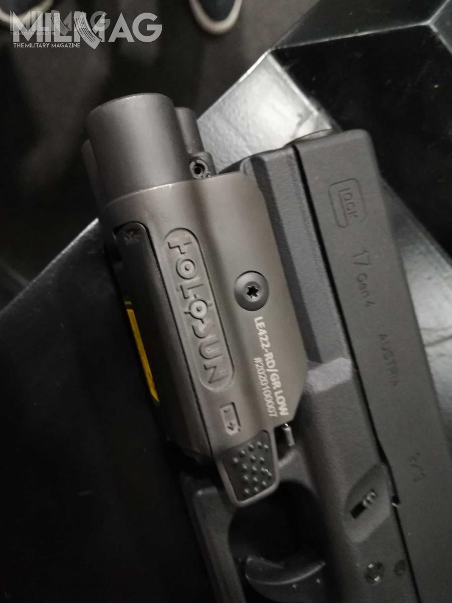 Moduł L422 zamontować można niemal nawszystkich pistoletach zestandardową szyną akcesoryjną.