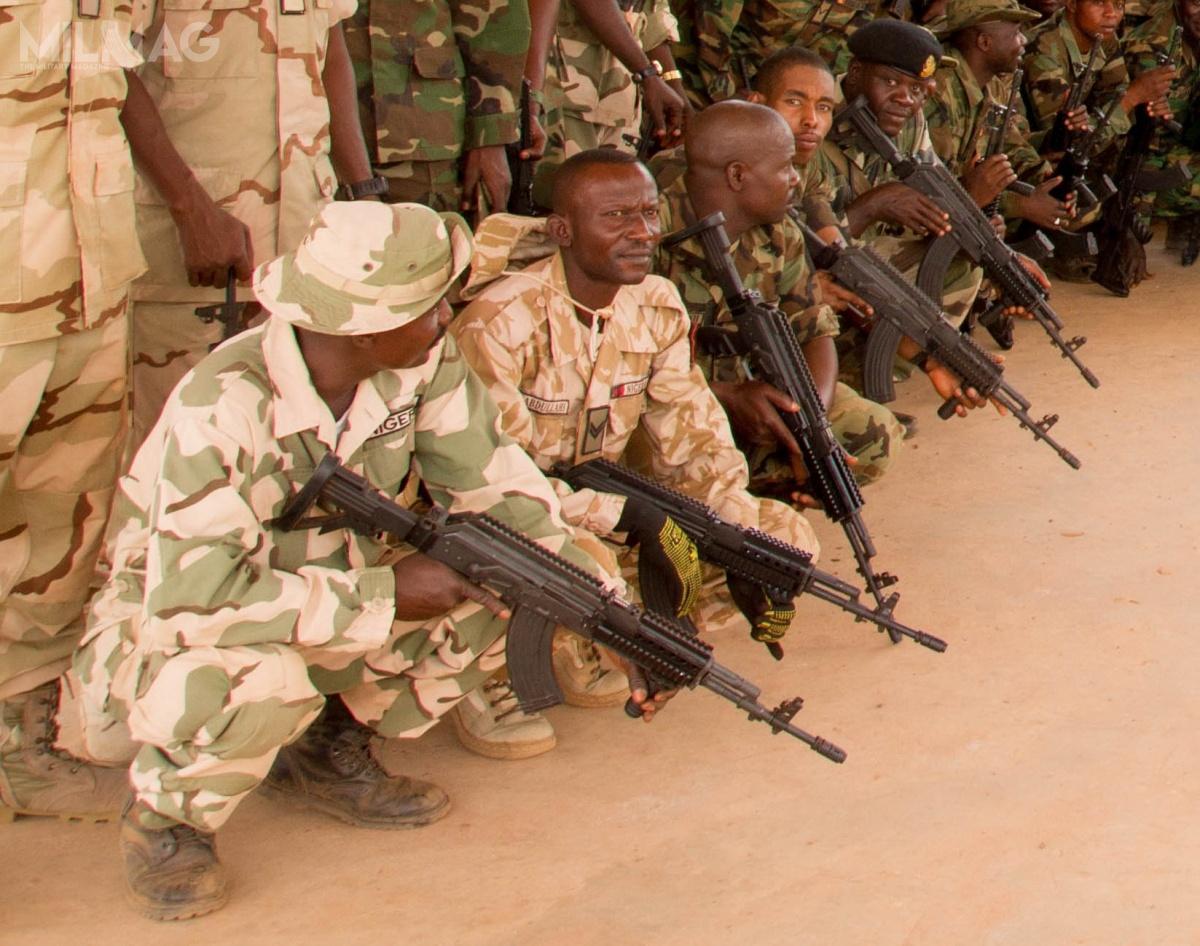 W 2015 Fabryka Broni wysłała doNigerii 1,5 tys. Beryli M762, które używane są przezkomandosów z72. Mobile Strike Force (72. MSF), elitarnego pododdziału wojsk lądowych walczącego zbojownikami ruchu Boko Harram / Zdjęcie: Fabryka Broni