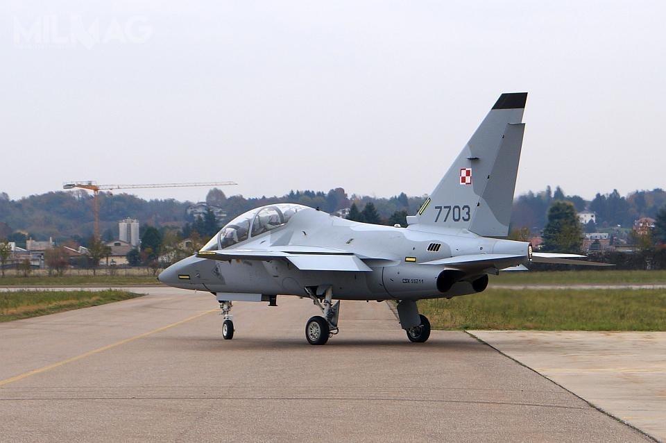 Dzięki decyzji ministra ON orealizacji opcji zmarcowej umowy zwłoskim koncernem Leonardo, Siły Powietrzne RP dokońca 2022 będą mieć łącznie 16 samolotów szkolenia zaawansowanego M-346 Bielik.