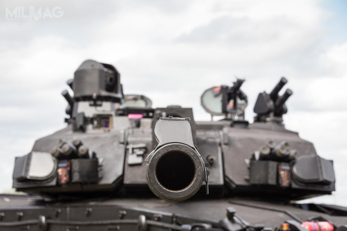 W demonstratorze technologii zastosowano nowe stabilizatory armaty/ Zdjęcia ifilm: BAE Systems