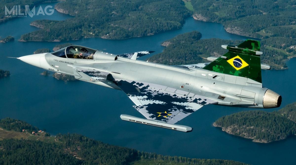 Pierwsza fotografia Saab JAS 39E Gripen (39-6001) trafiła dosieci 18 sierpnia. Wbrazylijskich wojskach lotniczych samolot otrzyma oznaczenie F-39 inrboczny 4100. F-39 będą stopniowo zastępować samoloty myśliwskie F-5EM Tiger II. Wramach opcji Brazylia ma prawo dozamówienia łącznie jeszcze 108 samolotów, wtym wwariancie pokładowym Sea Gripen/Gripen M, przeznaczonym dla marynarki wojennej (Marinha doBrasil) / Zdjęcie: Saab Defence and Security