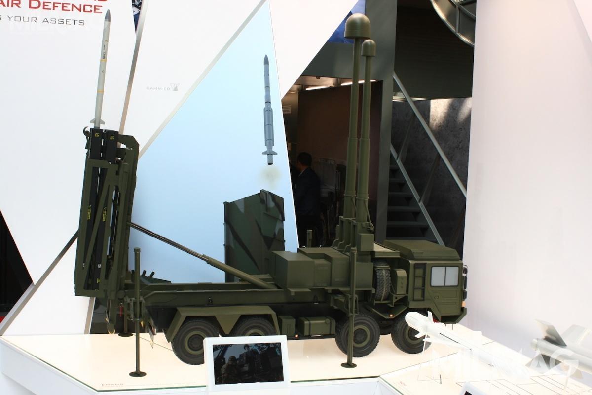 System MBDA EMADS (Enhanced Modular Air Defence Solutions) może być uzbrojony wpociski Land Ceptor, zwane też CAMM(L), atakże włoskie CAMM-ER (Common Anti Air Modular Missile) owydłużonym zasięgu / Zdjęcie: MBDA
