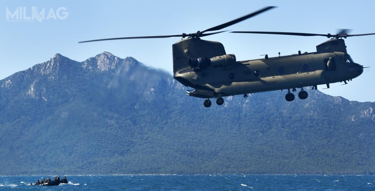 Australian Army wykorzystuje obecnie 10 ciężkich śmigłowców transportowych CH-47F Chinook, które sukcesywnie zastępują model CH-47D / Zdjęcie: Staff Sgt. Daniel Wetzel (USMC)