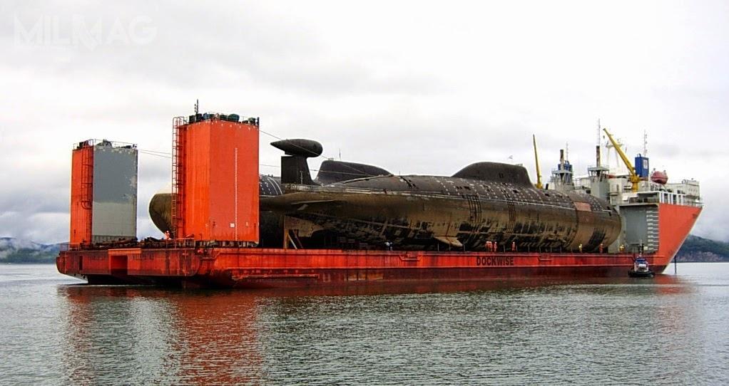 Brane poduwagę podnową dzierżawę, K-391 Brack iK-295 Samara przechodzą obecnie modernizację. Jednostki zostały przetransportowane zbazy morskiej Wiluczyńsk naKamczatce doSiewierodwinska napokładzie holenderskiego statku transportowego Transshelf wsierpniu 2014. Zakładano, żetrzyletnie prace pozwolą nazmodernizowanie jednostek dostandardu 971M. /Zdjęcie: SRZ-35 Zwiezdoczka