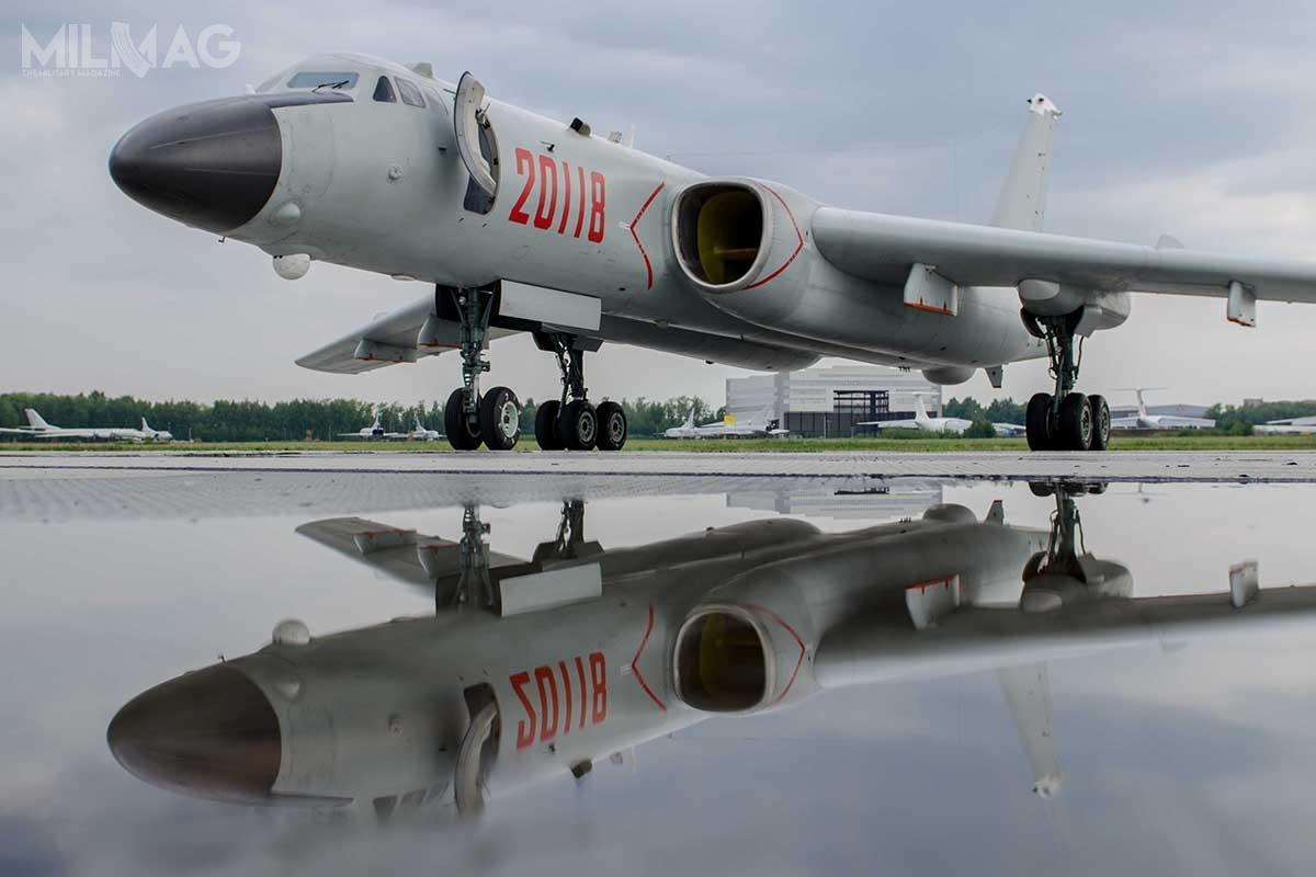 Chińska bomba została przeniesiona wkomorze bombowca strategicznego Xi'an H-6K, najnowszego wariantu bombowca rodziny H-6 (wywodzącego się zradzieckiego Tu-16) / Zdjęcie: Ministerstwo Obrony Federacji Rosyjskiej
