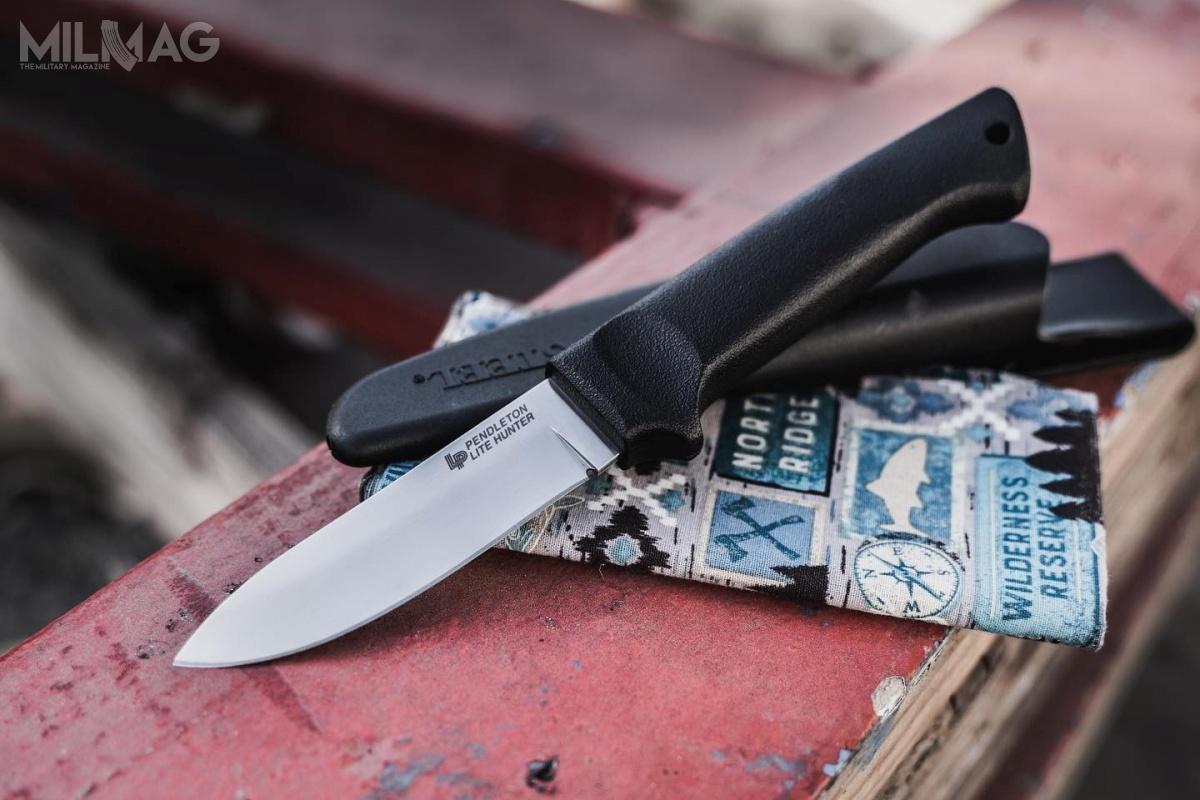 Pendelton Lite Hunter tojeden zaktualnych noży zoferty Cold Steela przeznaczony dla mysliwych. Zważając nafakt, żezdecydowana większość marek należących doGSM Outdoors specjalizuje się wtym profilu, nasuwa się pytanie: czyproporcja noży myśliwskich wstosunku dotych przeznaczonych docodziennego użytku wofercie CS może ulec zmianie?