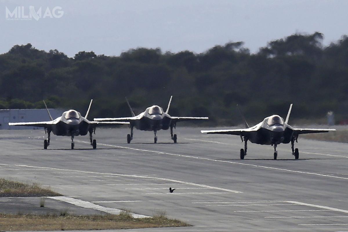 Jak dotąd Wielka Brytania odebrała 17 zplanowanych dozamówienia łącznie 138 samolotów F-35B, zarówno dla RAF, jak iRoyal Navy. Kolejnych 18 jest wbudowie lub zostało zamówionych. Samoloty stacjonują wbazie lotniczej RAF Marham