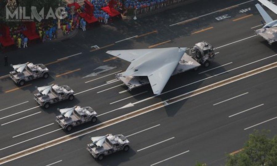 Ciekawą premierą był bojowy bezzałogowy statek latający GJ-11 oobniżonej sygnaturze radarowej