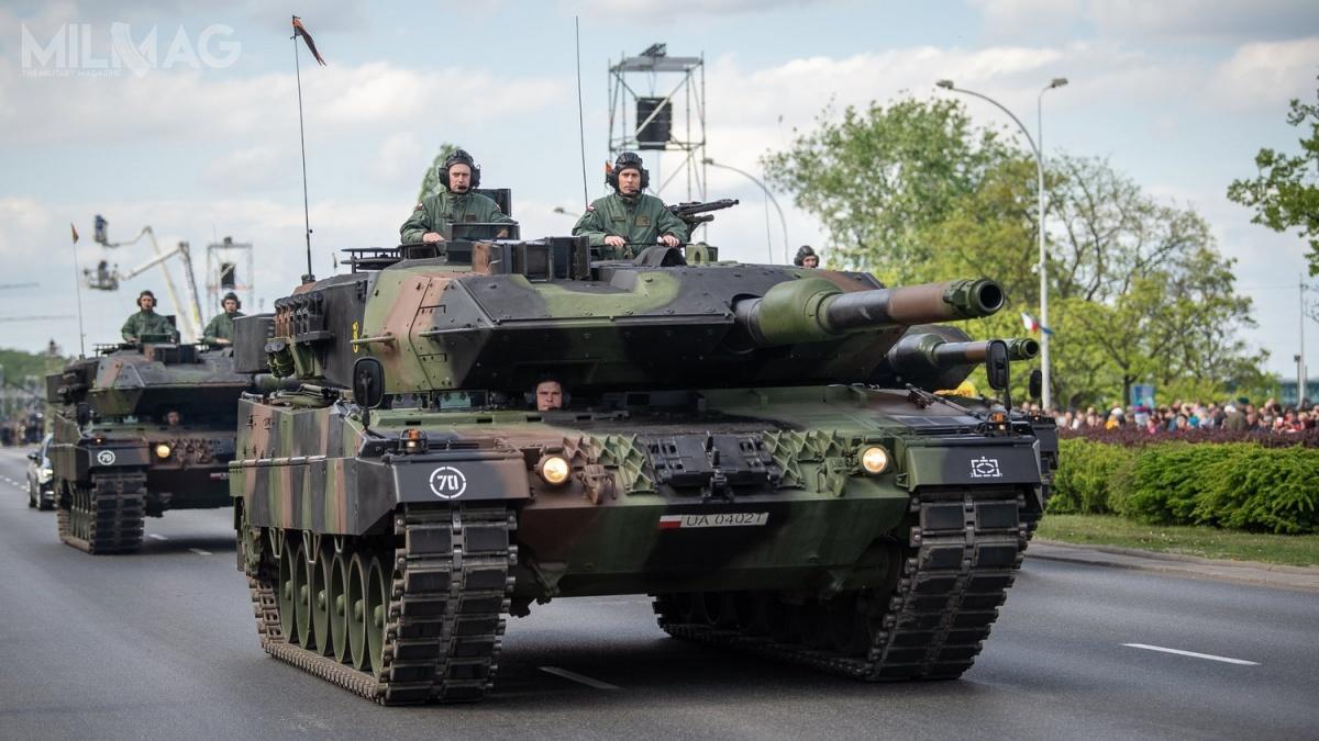 Wojska Lądowe RP były reprezentowane m.in.przez58-tonowe czołgi Leopard 2A5. Łącznie przejechało około 200 pojazdów różnych formacji
