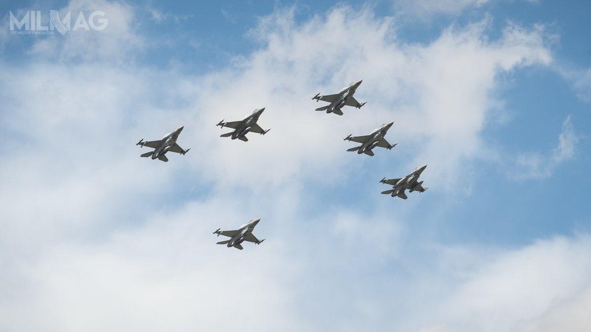 W części lotniczej wzięło udział 80 statków powietrznych, wtym m.in.wielozadaniowe myśliwce F-16C/D Block 52+ / Zdjęcia: Ministerstwo Obrony Narodowej