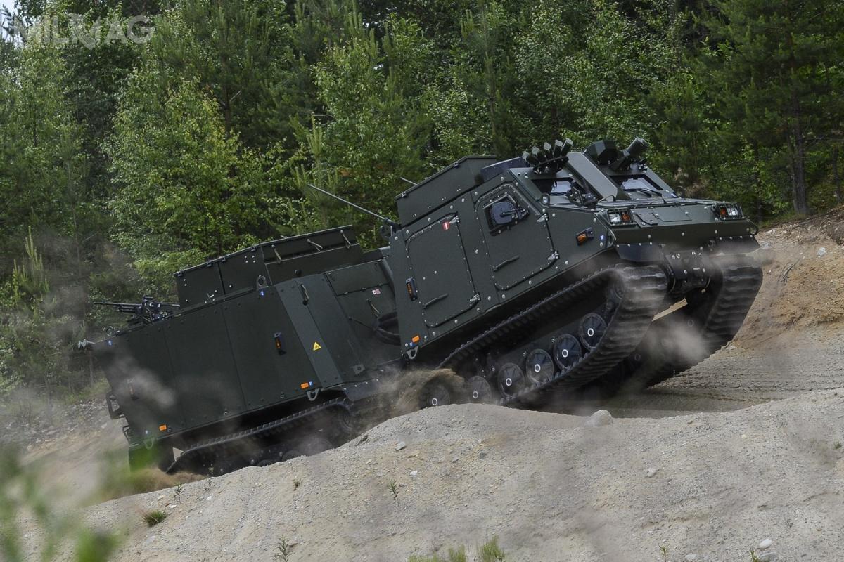 Zaprezentowany podczas targów DSEI 2019 nowy wariant amfibijnego transportera piechoty BvS10 może działać wnajtrudniejszych warunkach - terenie górskim ibagiennym, przy ekstremalnych temperaturach