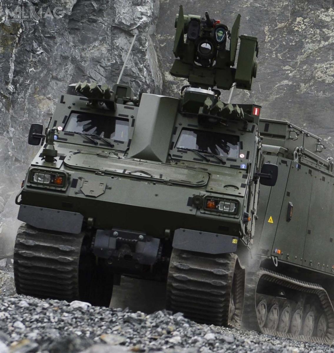 BvS10 został zaprojektowany domisji odtransportu żołnierzy lub ładunków (TCV) podczas działań bojowych iusuwania skutków klęsk żywiołowych. Wóz jest gotowy dowdrożenia  rozwiązań służących dozarządzania polem walki orazdowodzenia ikierowania (CV) / Zdjęcia: BAE Systems