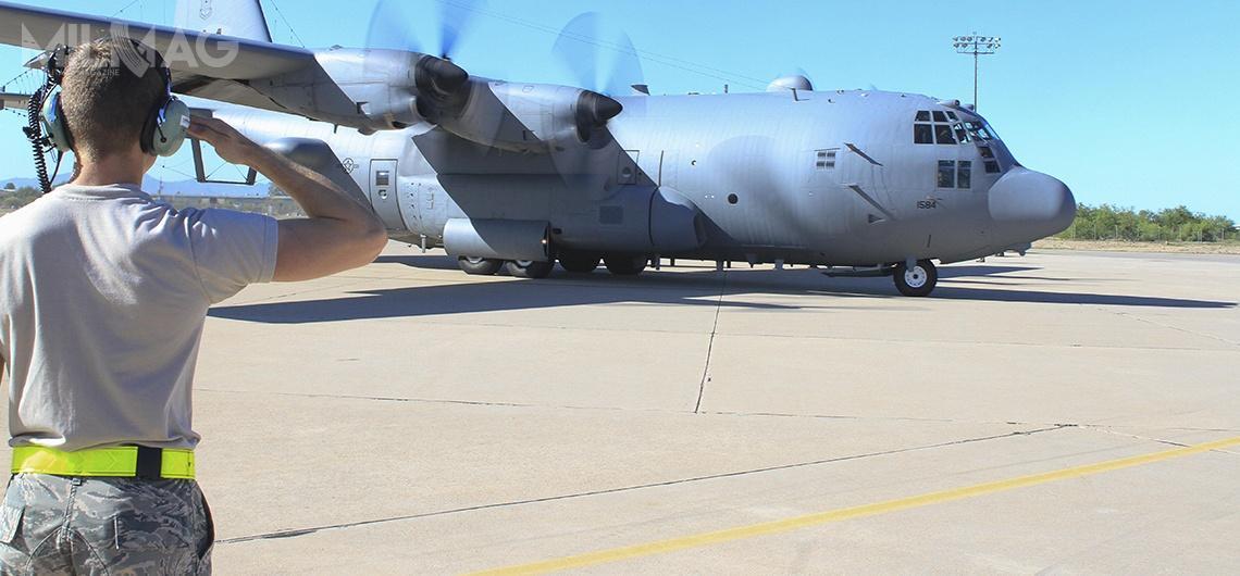 Samolot walki radioelektronicznej EC-130H Compass Call z55. Grupy Walki Elektronicznej wesprze osiemnaście myśliwców wielozadaniowych F-16CM/DM Block 50, które odpoczątku tygodnia ćwiczą zpolskimi F-16C/D Block 52+  / Zdjęcie: Ambasada Stanów Zjednoczonych wWarszawie