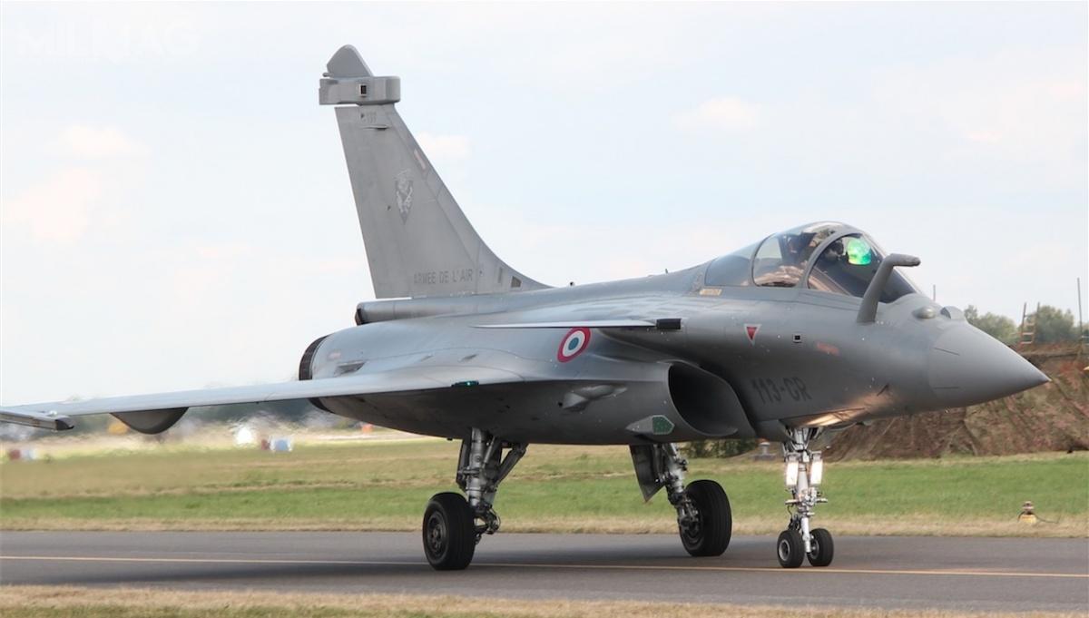 Zgodnie zdeklaracją polityków projekt ma zakończyć konkurencję pomiędzy holdingiem produkującym Typhoona aDassault Aviation rozwijającym odlat 80 francuski samolot Rafale /Zdjęcia: Jakub Link-Lenczowski