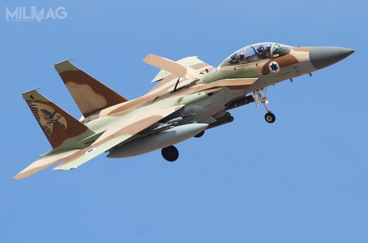 Skompletowana wlatach 1996-1998 69. Eskadra, złożona z25 F-15I stanowi główny oręż lotnictwa izraelskiego doprzeprowadzania ataków nadużych dystansach. Niewykluczone, żesamoloty mogą zostać zmodernizowane. /Zdjęcie: Chejl ha-Awir