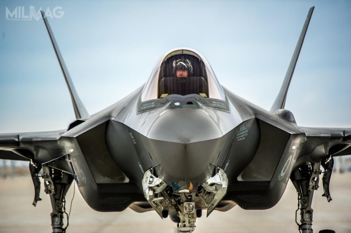 Departament Obrony USA analizuje możliwość potencjalnej sprzedaży samolotów wielozadaniowych 5. generacji F-35 Lightning II Polsce, Rumunii, Grecji, Hiszpanii iSingapurowi / Zdjęcie: USAF
