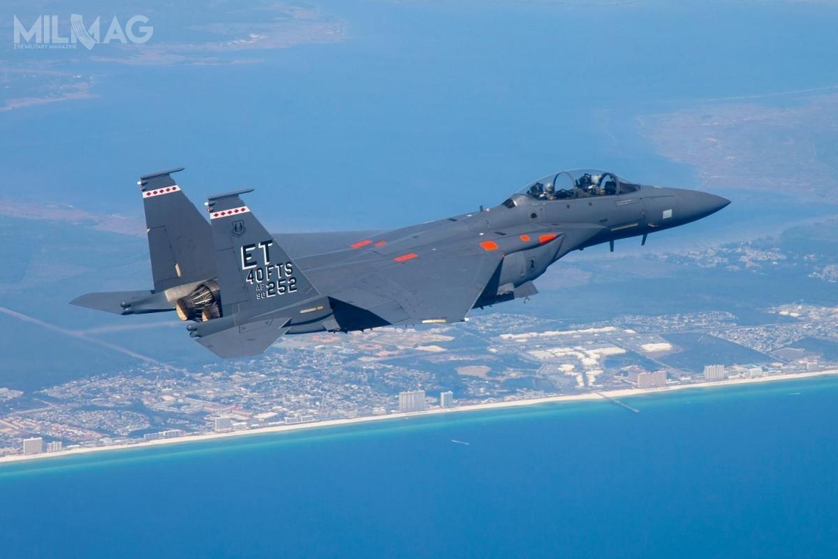 Według zaktualizowanych planów, 217 samolotów wielozadaniowych F-15E Strike Eagle otrzyma cyfrowy system walki radioelektronicznej EPAWSS. /Zdjęcie: Boeing