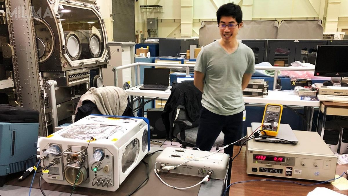 Fotobioreaktor PBR został umieszczony wmodule laboratoryjnym Destiny naMiędzynarodowej Stacji Kosmicznej. Po180 dniach eksperymentu próbki trafią naZiemię wcelu przeprowadzenia analizy genetycznej / Zdjęcia: Airbus Defence and Space