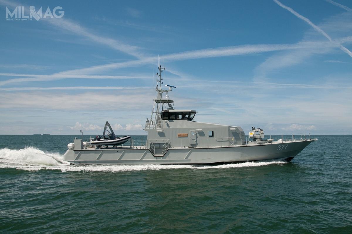 Łódź patrolowa FPB 98 Mk.I ma 32 m długości, załoga liczy 13 członków zmożliwością zaokrętowania jeszcze jednej osoby. Osiąga prędkość 35 w. izasięg do1200 mil morskich przy prędkości 12 w. Wyposażone stanowi zdalnie sterowany moduł uzbrojenia z12,7-mm karabinem maszynowym ipółsztywna łódź obserwacyjna. Jak dotąd wyeksportowano je doNigerii iSurinamu. Pozostałe modele wofercie OCEA to35-metrowe FFB 110, 37-metrowe FFB 115 i41-metrowe FFB 125 / Zdjęcie: OCEA