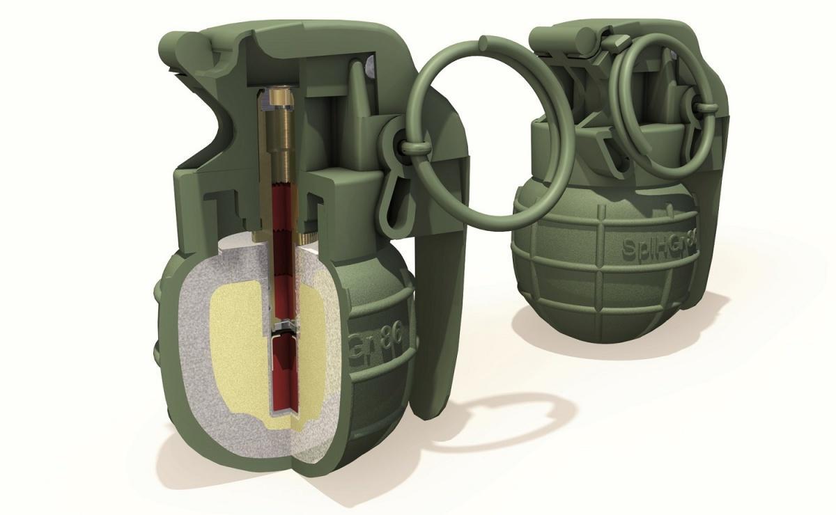 Ręczny granat odłamkowy SplHGr 86 podczas wybuchu generuje 1,6 tys. odłamków ośrednicy 2-2,3 mm. Średnica wynosi 44,5 mm, wysokość 77 mm, masa 180 g / Rysunki: RWM, Zdjęcie: Remigiusz Wilk