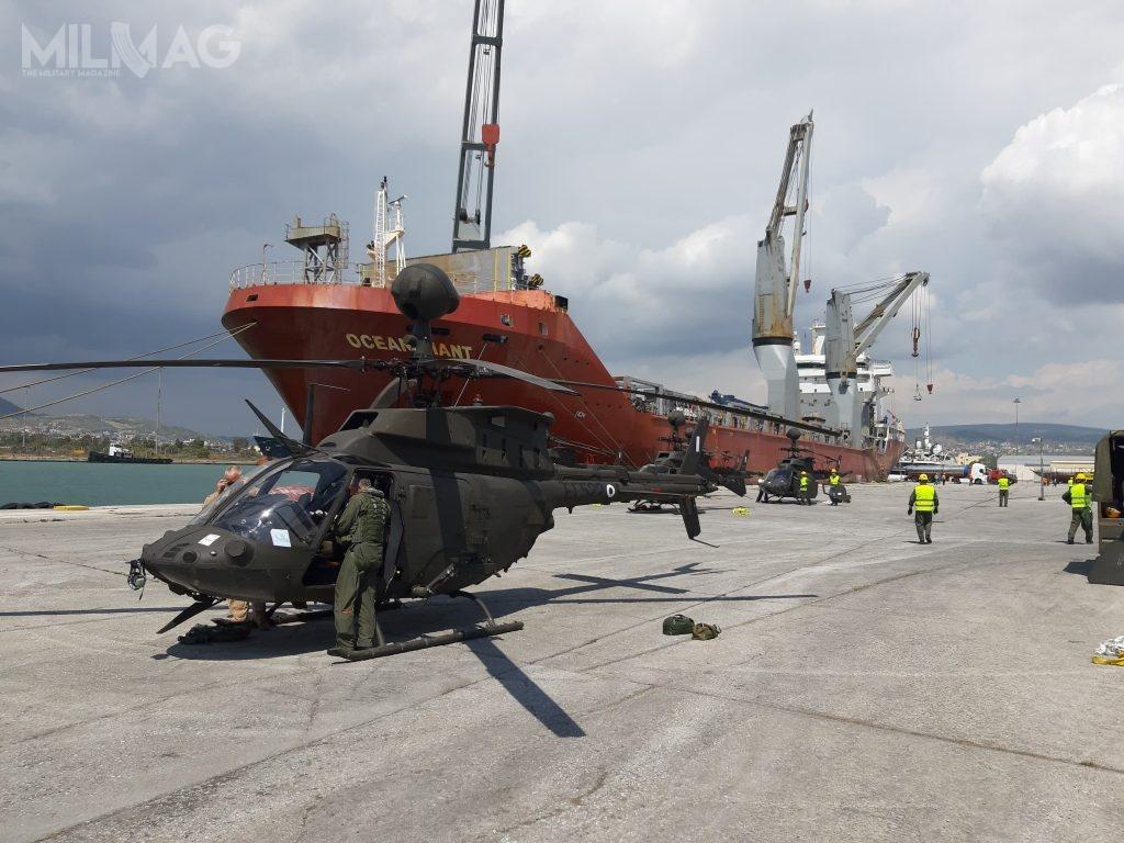 Transport śmigłowców dla Grecji przybył napokładzie statku transportowego MV Ocean Giant, któryjest użytkowany przezDowództwo Transportu Morskiego US Navy.