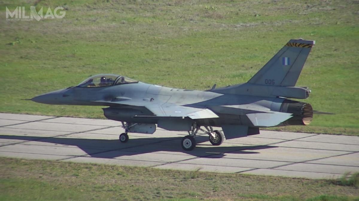Z greckiej bazy lotniczej Tanagra wpobliżu Aten dokonano oblotu pierwszego zmodernizowanego samolotu wielozadaniowego F-16V / Zdjęcie: Nikos Panagiotopoulos, minister obrony Grecji