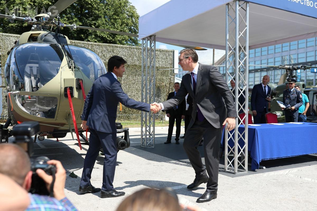 Napędzany dwoma silnika turbowałowymi Safran Arriel 2E zcyfrowym systemem sterowania FADEC iawionikę Helionix, H145M omasie maksymalnej 3,7 t trafił nawyposażenie sił zbrojnych Niemiec w2015, anastępnie zostały zamówione przezTajlandię iLuksemburg. Zkolei 28 czerwca 2018 Węgry zamówiły wiropłaty także wyposażone wsystem uzbrojenia HForce / Zdjęcie: Airbus Helicopters