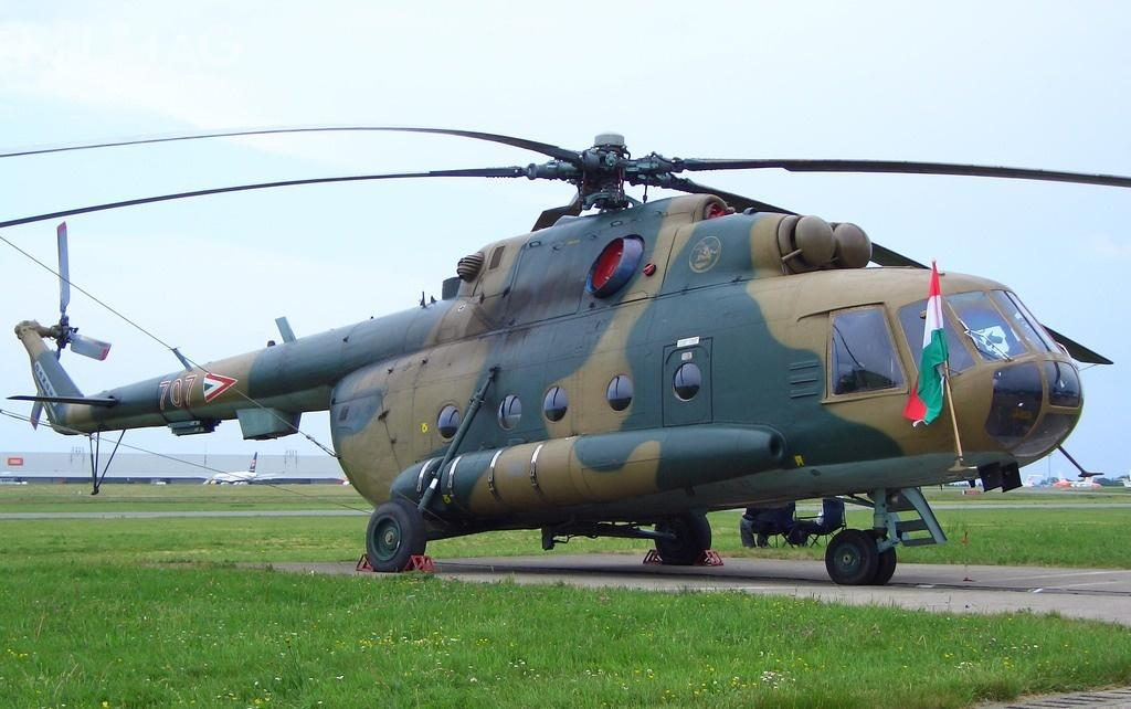 Węgierskie wojska lotnicze wykorzystują 13 śmigłowców transportowych Mi-8/17 (według danych na2016), zktórychpięć było remontowanych wRosji. Przewidywana data wyczerpania się resursu to2023 / Zdjęcie: Neuwieser