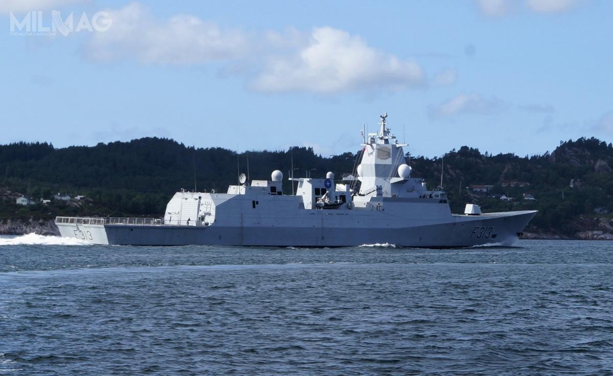 HNoMS Helge Ingstad (F313) jest jedną zpięciu fregat rakietowych typu Fridtjof Nansen, które weszły nawyposażenie Norweskiej Królewskiej Marynarki Wojennej wlatach 2006-2011. /Zdjęcie: Cavernia
