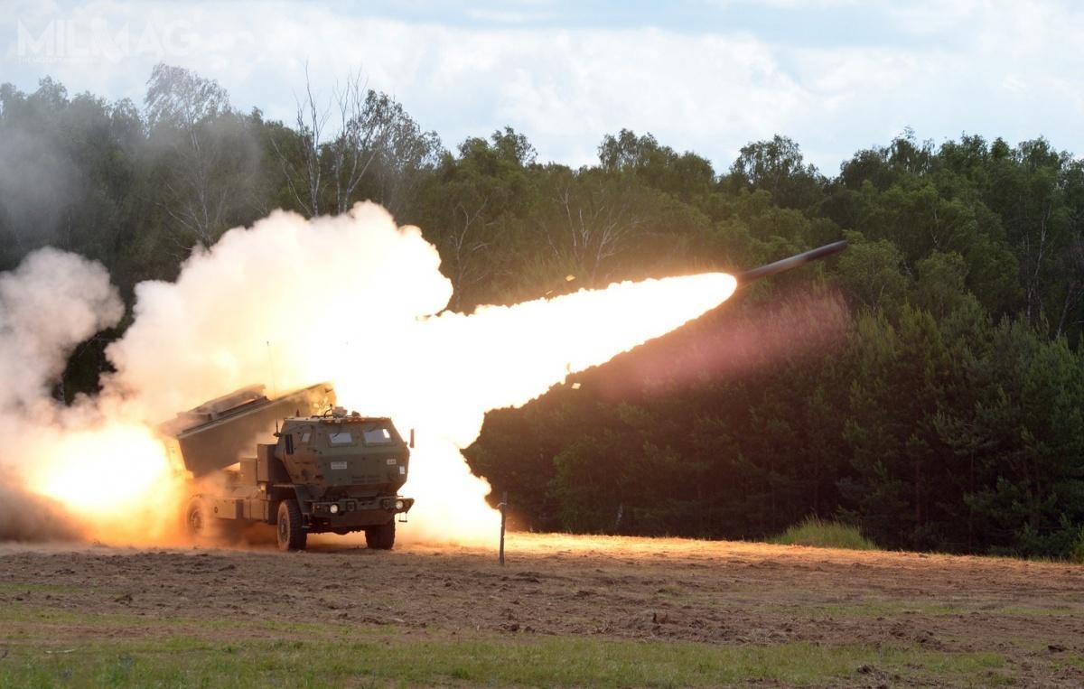 Wojsko Polskie wyraziło zapotrzebowanie na160 wyrzutni modułów dywizjonowych wieloprowadnicowych wyrzutni rakietowych WR-300 Homar, awartość programu szacowano się na8-10 mld zł. /Zdjęcie: North Carolina National Guard