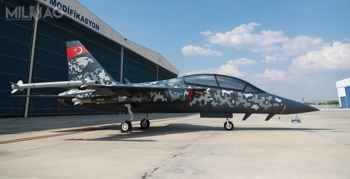 Makieta została zaprezentowana zkierowanym laserowo zestawem HGK-82, wykorzystującym bombę ogólnego przeznaczenia Mk 82. /Zdjęcie: TAI