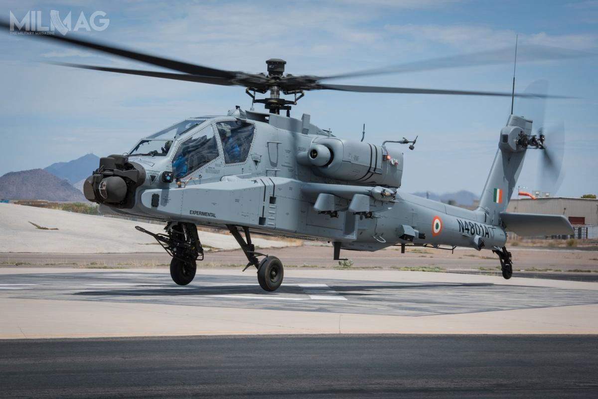 Początkowo Indie zamówiły 22 śmigłowce szturmowe AH-64E Apache Guardian dla wojsk lotniczych, rozszerzając później zamówienie o6kolejnych wiropłatów dla wojsk lądowych