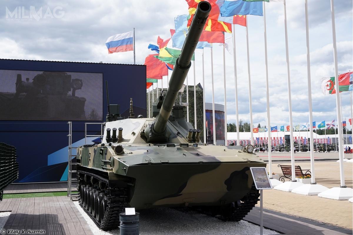 Pojazdy typu Sprut-SDM1, podobnie jak wcześniej starsze Sprut-SD, są produkowane wWołgogradzkiej Fabryce Traktorów (WgTZ). Sprut-SD wszedł nawyposażenie rosyjskich Wojsk Powietrzno-Desantowych (WDW) w2005. Powstał jako niszczyciel czołgów/wóz wsparcia ogniowego, zdolny dotransportu drogą powietrzną idesantowania zapomocą spadochronów. Nigdy dotąd niebyły eksportowane