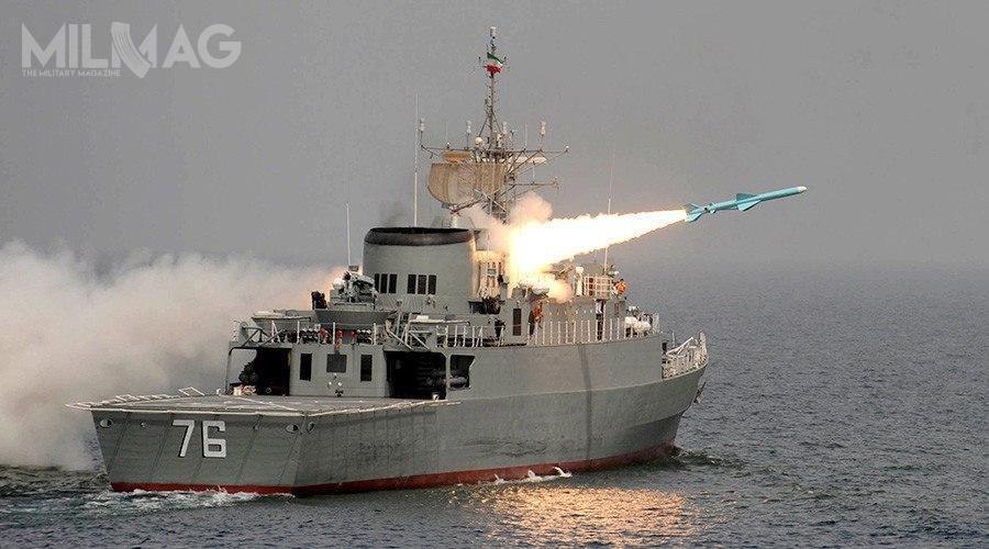 Irańska fregata rakietowa Dżamaran wystrzeliła rakietowy pocisk przeciwokrętowy dalekiego zasięgu Nur trafiając własny okręt wsparcia / Zdjęcie: Ministerstwo Obrony iLogistyki Iranu