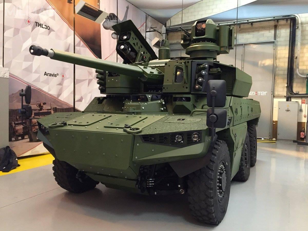 Jaguar EBRC jest kołowym pojazdem rozpoznawczym iwsparcia ogniowego wukładzie napędowym 6×6 ztrzyosobową załogą, omasie do25 t.