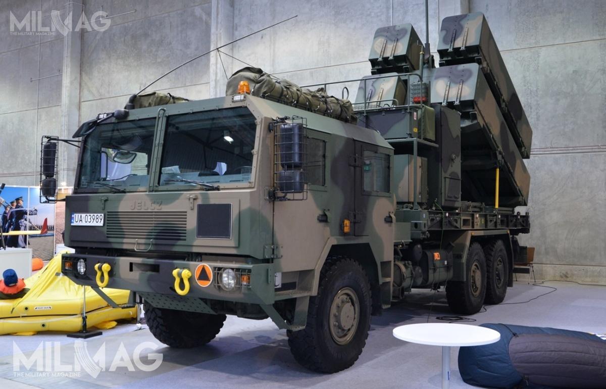Jak dotąd Wojsko Polskie odebrało ponad 700 samochodów ciężarowych dużej ładowności powiększonej mobilności Jelcz S662D.43 6x6, służących m.in.podzabudowę wyrzutni MLV pocisków przeciwokrętowych ipojazdów dowodzenia CCV systemu obrony wybrzeża NSM (Naval Strike Missile) / Zdjęcie: Paweł Ścibiorek