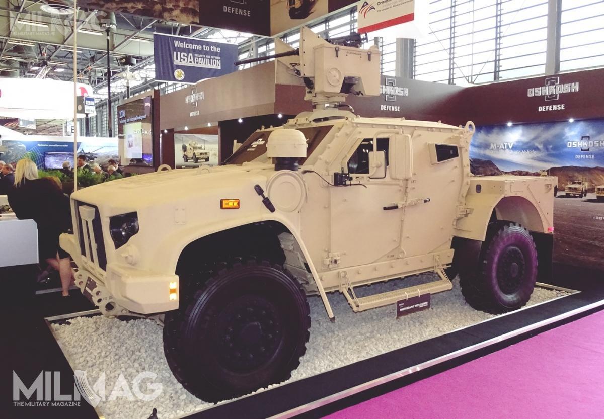 Opancerzony pojazd minoodporny Oshkosh Defense L-ATV został wybrany przezamerykańskie wojska lądowe (US Army), piechotę morską (US Marine Corps, USMC) iwojska specjalne (US Special Operations Command, SOCOM) w2015. Występuje wdwóch podstawowych odmianach: dwudrzwiowej Combat Support Vehicle (CSV) iczterodrzwiowej Combat Tactical Vehicle (CTV) / Zdjęcie: Remigiusz Wilk