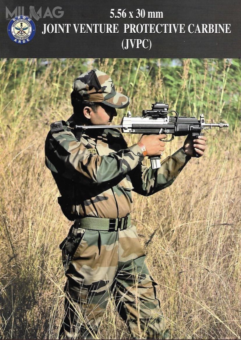 JVPC bezmagazynka ma masę 2,98 kg idługość 560/750 mm zkolbą wsuniętą/wysuniętą. Broń wyposażono w300-mm lufę oskoku bruzd 250 mm. Pistolet maszynowy zasilany jest indyjską amunicją 5,56 mm x 30. Długość naboju wynosi 42 mm, masa 9,2 g, prędkość wylotowa 650 m/s (z300-mm lufy), zasięg skuteczny 200 m (natym dystansie przebija 3,5-mm płytę stalową, kamizelkę kuloodporną klasy III z24 warstw kevlaru). / Zdjęcie: DRDO