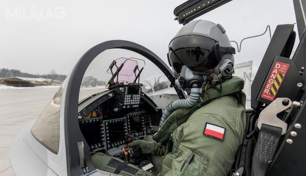 16 lutego 2018 polscy piloci rozpoczęli szkolenie nasamolotach M-346 Bielik / Zdjęcie: 4. Skrzydło Lotnictwa Szkolnego