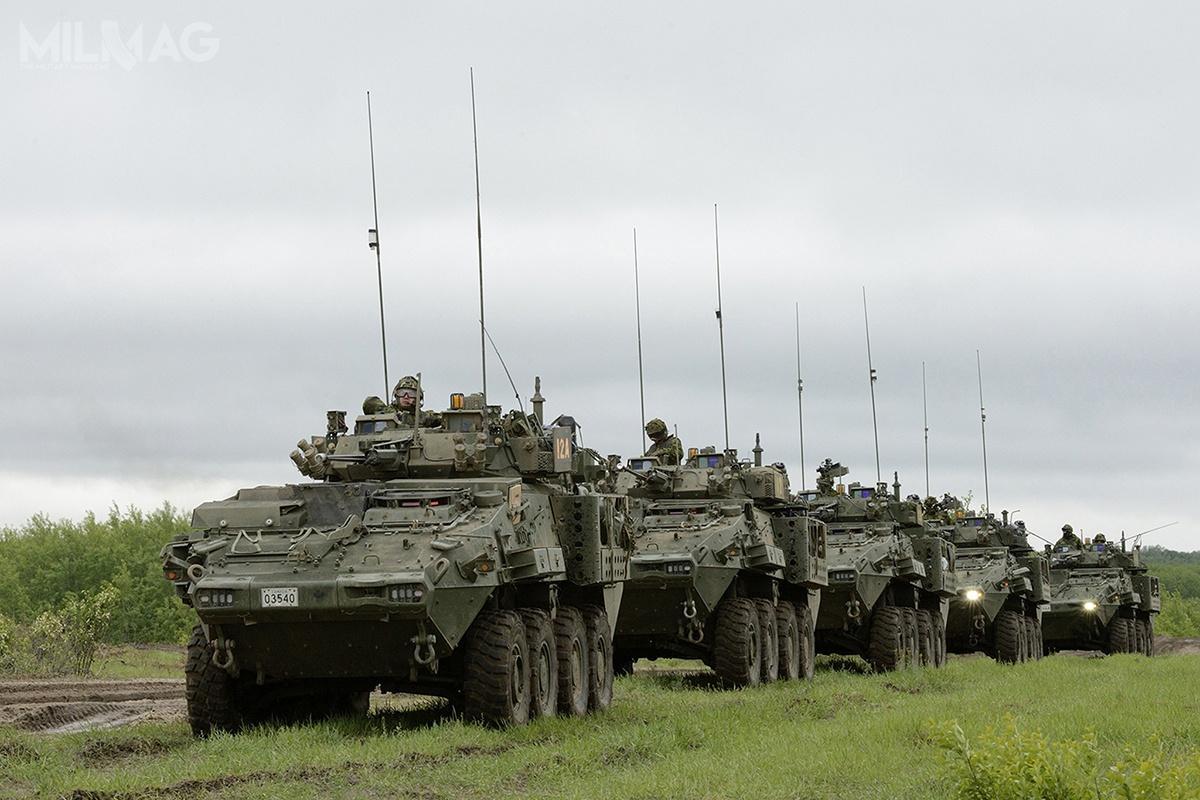 Pierwotnie, Ministerstwo Obrony Kanady zamówiło 651 kbwp LAV III Kodiak różnych wersji, ale13 znich zostało zniszczonych podczas wojny wAfganistanie. Pojazdy weszły nauzbrojenie w1999. Bazują konstrukcyjnie napojazdach Piranha III opracowanych przezGeneral Dynamics European Land Systems (GDELS). Zkolei naich podstawie powstał amerykański IAV Stryker, którywszedł nawyposażenie US Army w2002 / Zdjęcie: GDLS-C
