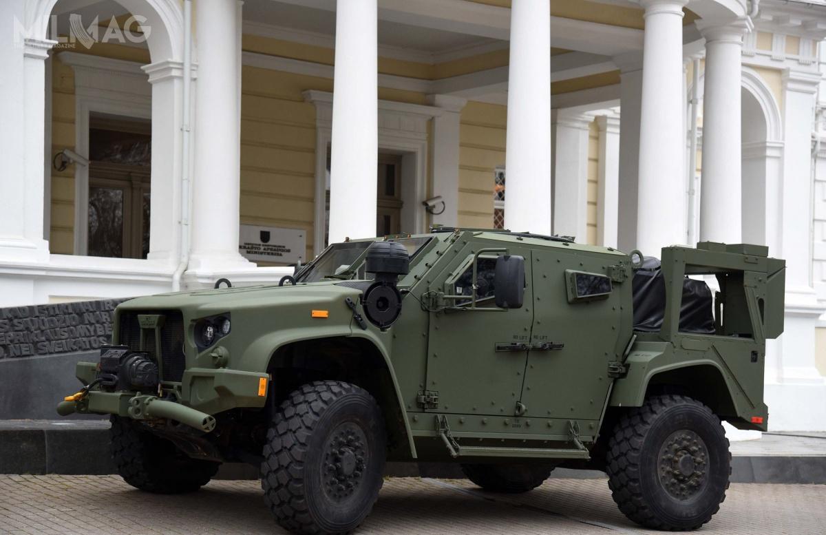 Litewskie pojazdy będą odmiany czterodrzwiowej CTV wwersji M1278A1 Heavy Guns Carrier