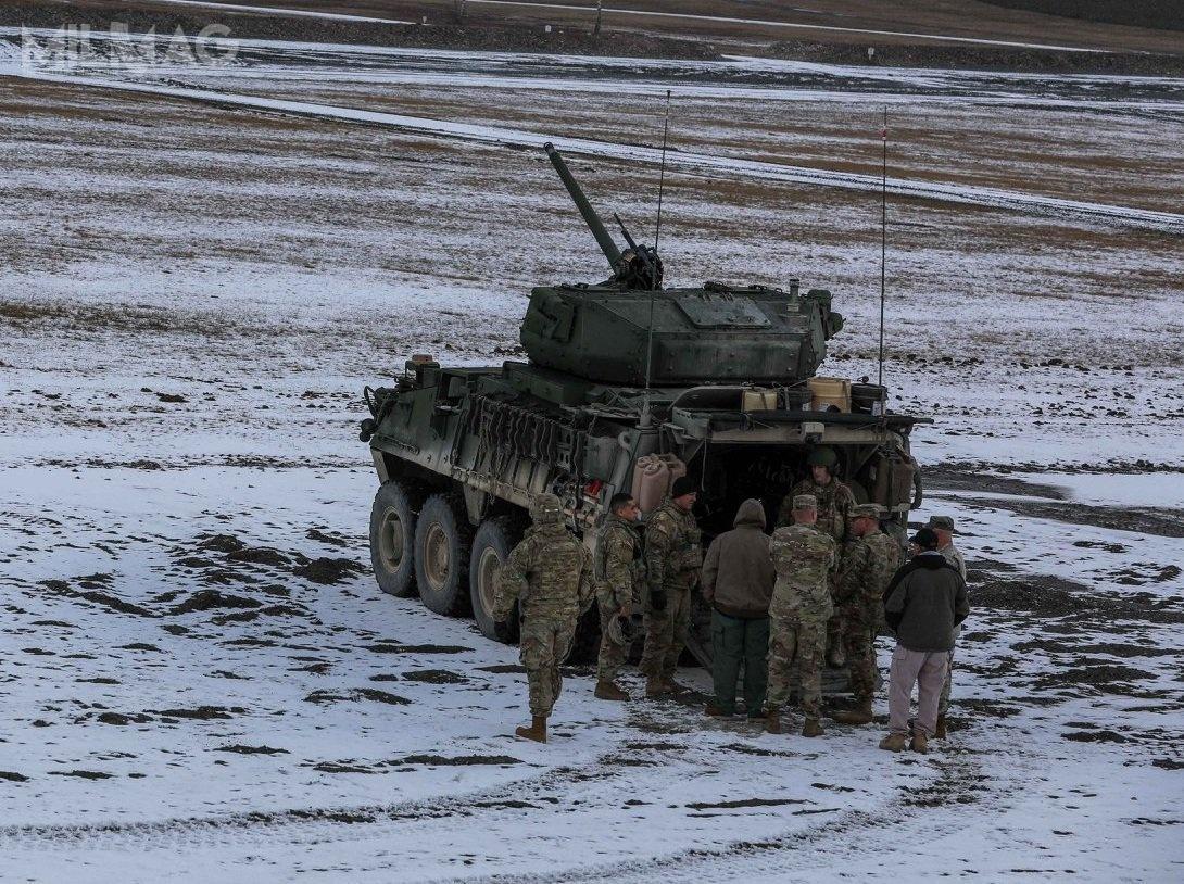 22 lutego żołnierze 4. batalionu Saber 2. Pułku Kawalerii US Army przeprowadzili pierwsze wEuropie strzelania zkołowego bojowego wozu piechoty M1296 Stryker Infantry Carrier Vehicle-Dragoon (ICV-D)