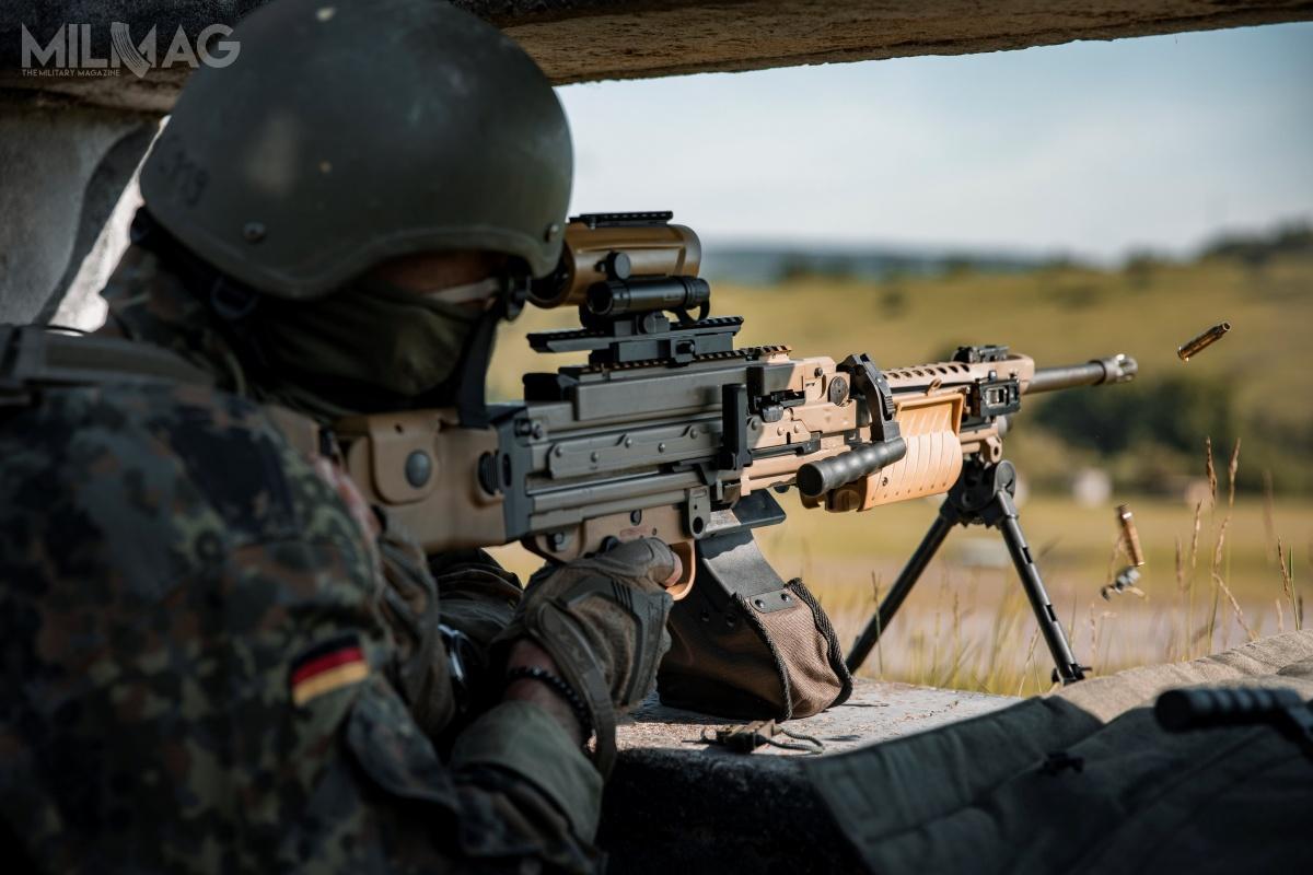 Bundeswehra rozpoczęła próby polowe zmodyfikowanego 5,56 mm karabinka maszynowego MG4A3. Broń ma trafić douzbrojenia wroku 2021. Dotego standardu mają zostać dostosowane wszystkie używane wwojsku niemieckim MG4, MG4A2 iMG4A2A1.