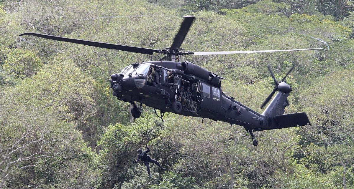 Po wprowadzeniu wszystkich modyfikacji masa  MH-60M Black Hawk wzrosła zokoło 10 do11 t, dlatego też wymagane było wzmocnienie struktury kadłuba / Zdjęcie: US Army