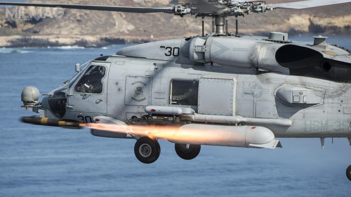 MH-60R Seahawk powstał dozwalczania okrętów podwodnych (ZOP). Śmigłowce mogą być wykorzystywane także dozadań transportowych, wsparcia ogniowego, wykonywania operacji poszukiwawczo-ratowniczych (SAR) czyłączności / Zdjęcie: US Navy