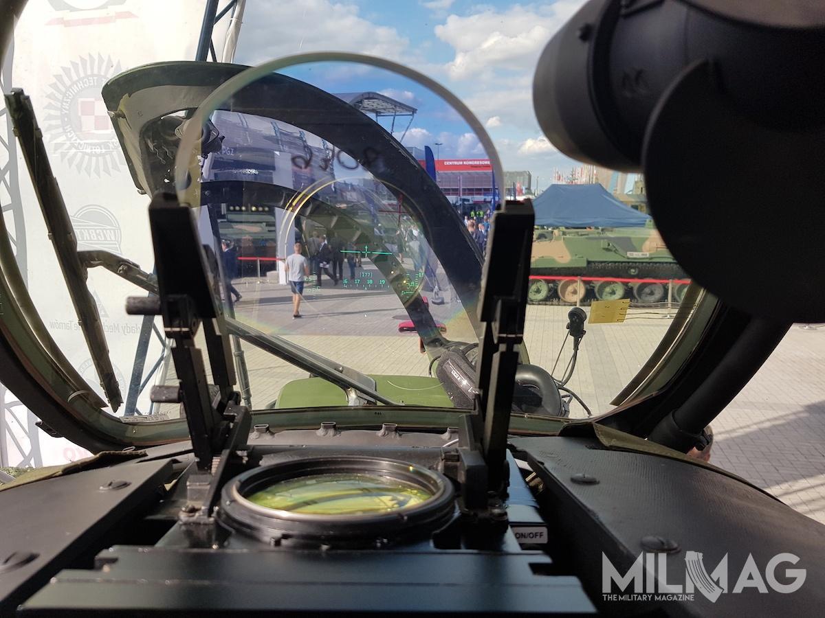 Celownik przezierny Mi-24 został zmodernizowany dofunkcjonalności wyświetlacza HUD, piloci moga równiez wykorzystywać Nahełmowe Systemy Wyswietlania Parametrów Lotu Cyklop